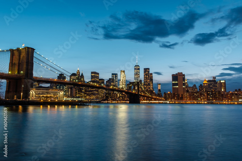 Brooklyn Bridge and Manhattan Skyline at night Canvas Print