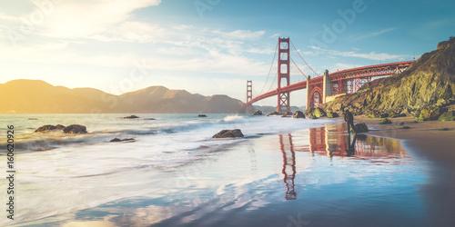 Deurstickers San Francisco Golden Gate Bridge at sunset, San Francisco, California, USA