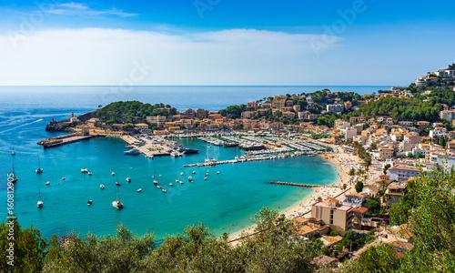 Mittelmeer Küste Spanien Mallorca Bucht Hafen Port de Soller