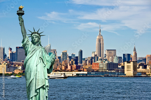 Deurstickers New York New York skyline and the Statue of Liberty, New York City collage, travel and tourism postcard concept, USA