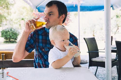 Plakat Ojciec i syn są najlepszymi przyjaciółmi!