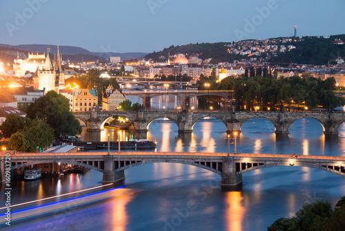wieczorna-panorama-pragi-stolicy-czech