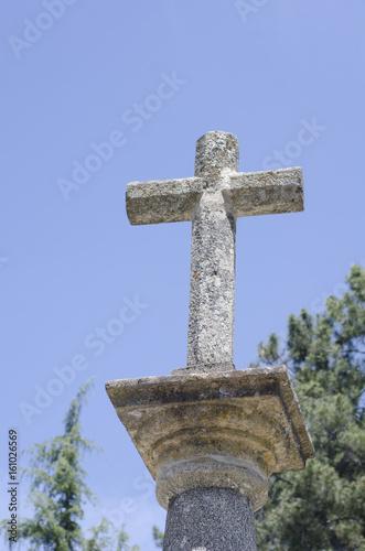 Photo  tres cruces y humilladero en el monasterio de san pedro de alcantara arenas de s