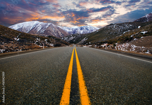 Fotografiet  mountain road in arthur's pass national park new zealand ,most popular traveling