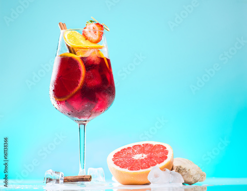 cocktail Sangria on azure background Canvas-taulu