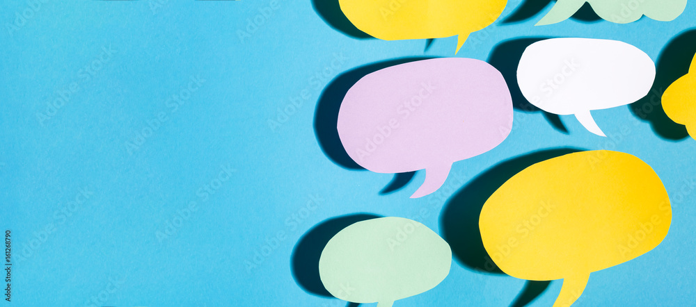 Fototapeta Speech bubble text message theme with hard shadow on a blue background