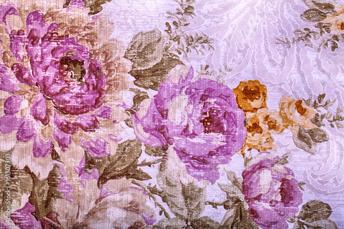 Montage in der Fensternische Vintage Blumen Vintage wallpaper with floral victorian pattern