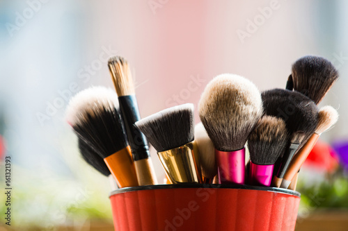 Cuadros en Lienzo professional brush for fashionable makeup or cosmetic in pink cup