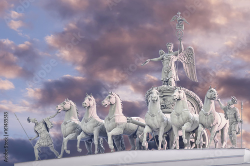 Fotografie, Tablou  Chariot of Glory on the arch of the General Staff in St