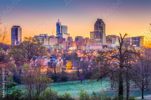 Spoed Foto op Canvas Lavendel Raleigh, North Carolina, USA dawn skyline.