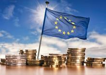 Europäische Flagge Mit Euro M...
