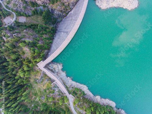 Photo sur Toile Barrage Dam wall - View from above
