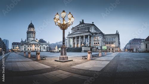 Fotografie, Obraz  Berliner Gendarmenmarkt am Abend