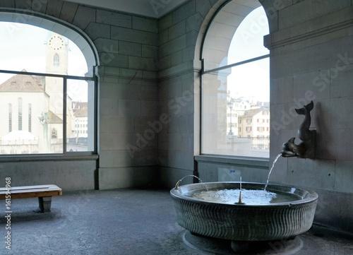Photo Brunnen im Helmhaus in Zürich