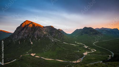 Photo  Alpenglow on Buachaille Etive Mor