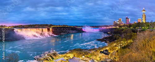 Fotografie, Obraz Panoramic view of Niagara Falls in the evening from Canada