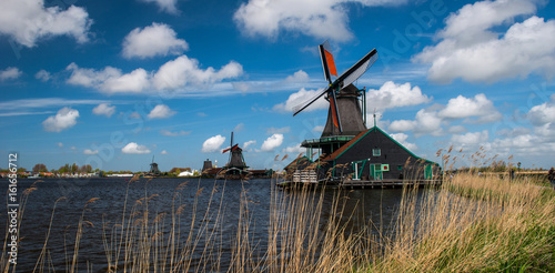 Fotografering  Windmill, Holland countryside