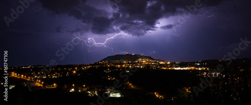 Fotografia Stormy night in San Marino