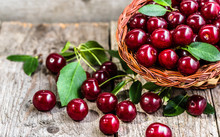 Organic Cherries, Farm Fresh F...