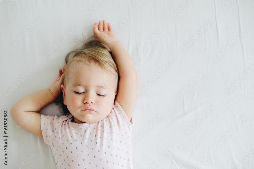 Fototapety, obrazy: Sleeping one year old baby girl