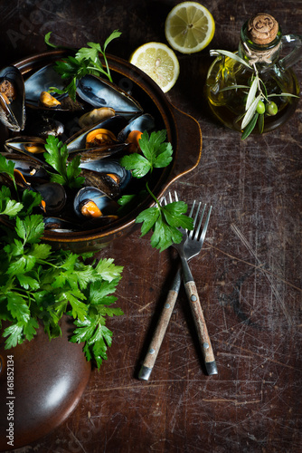 Fototapeta  Boiled mussels, above view.