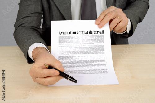 Photo Avenant au contrat de travail