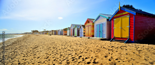Poster de jardin Australie Brighton Beach Boxes in hot sunny day