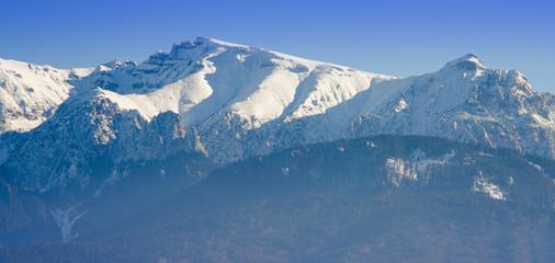 Fototapeta na wymiar winter mountain landscape in Romania, Bucegi peak