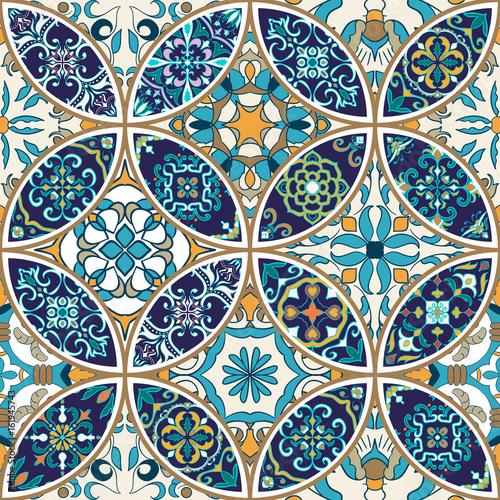 tekstura-wektor-piekny-patchworkowy-wzor-do-projektowania-i-mody-z-elementami-dekoracyjnymi