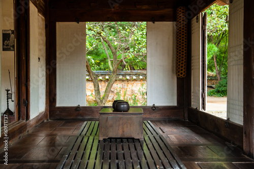Fotografía  한국 전통 한옥의 거실