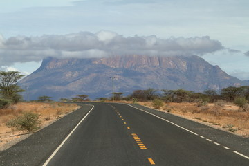 Landstraßen im Norden von Kenia