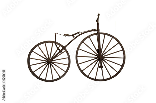 Photo sur Toile Velo Ancient wooden bicycle on white background