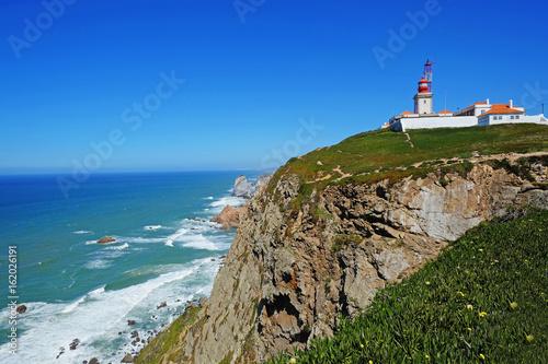 Montage in der Fensternische Leuchtturm Cape Roca (Cabo da Roca) with lighthouse in Portugal.