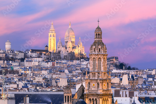 Платно Aerial view of Sacre-Coeur Basilica or Basilica of the Sacred Heart of Jesus at