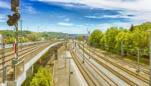 Obrazy na płótnie Canvas Schienenstrecke in die Stadt