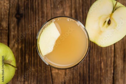 Plakat Sok jabłkowy na vintage drewniane tła