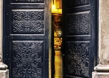 Inviting Open Door