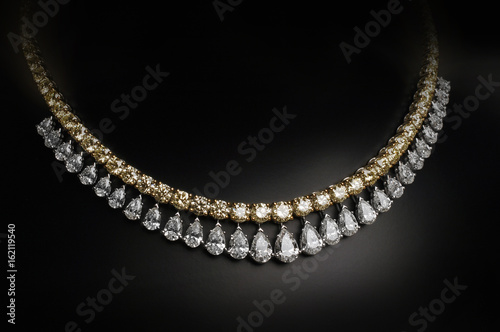 Foto  Diamond necklace