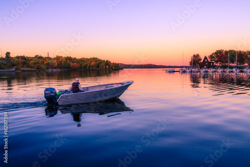 Foto op Aluminium Purper Ramsey Lake and Bell Park in Sudbury, Ontario, Canada during autumn season