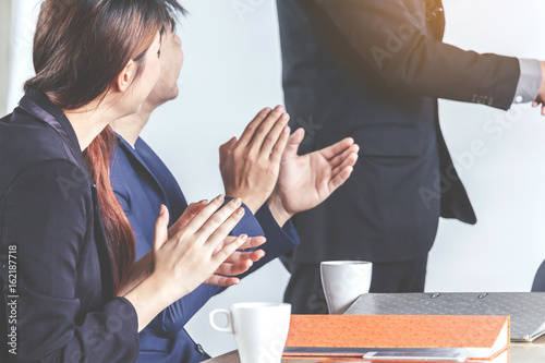 Fototapety, obrazy: Business people clapping hands in the meeting