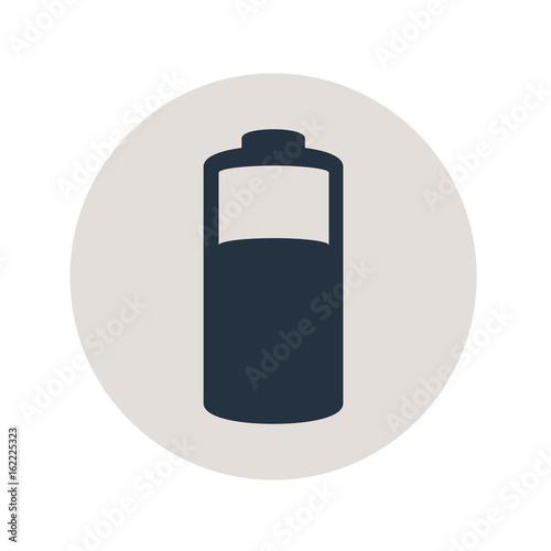Fotografiet Icono plano pila electrica en circulo gris