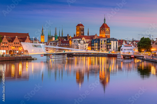 obraz PCV Old town in Gdansk and catwalk over Motlawa river at sunset, Poland