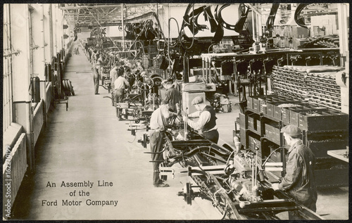 Платно  Ford Assembly Line. Date: circa 1930