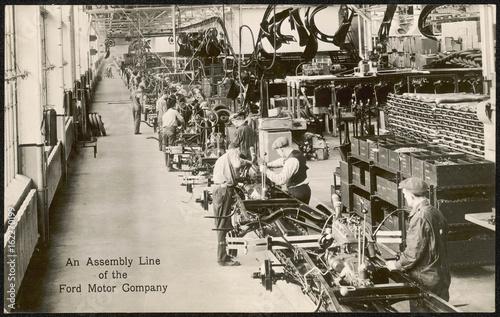 фотография  Ford Assembly Line. Date: circa 1930