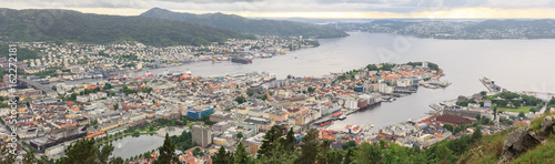 Poster Algerije Panoramic view of the beautifully situated Bergen, the second largest city in Norway. It is called the Fjord Gate and is listed as a UNESCO World Heritage Site