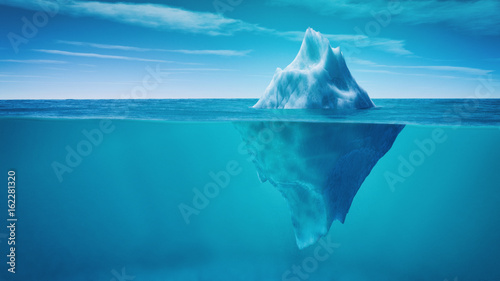 Photo Underwater view of iceberg