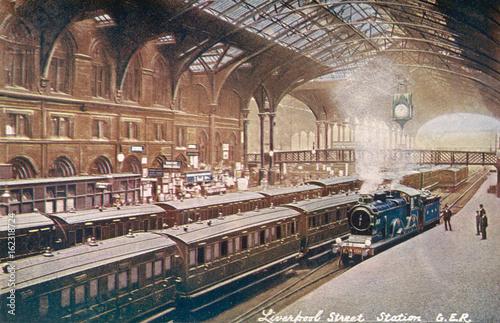 Liverpool St Interior. Date: circa 1910