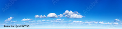 Foto op Plexiglas Hemel Panorama of the blue sky with clouds