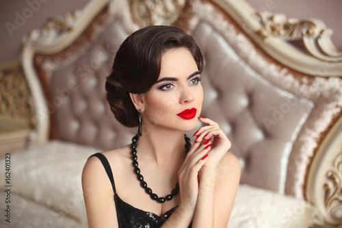 Fotografie, Obraz  Beautiful brunette, elegant woman portrait