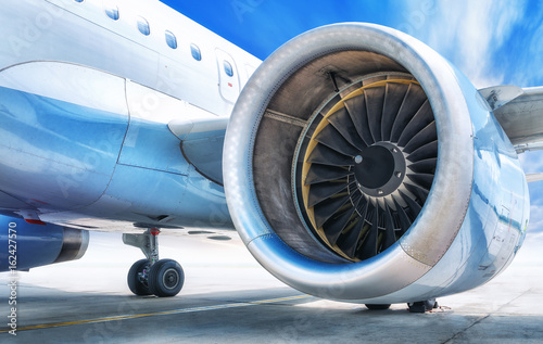 Obraz samolot  jet-engine